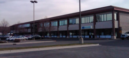 Evergreen North Shopping Center - General offices & retail building